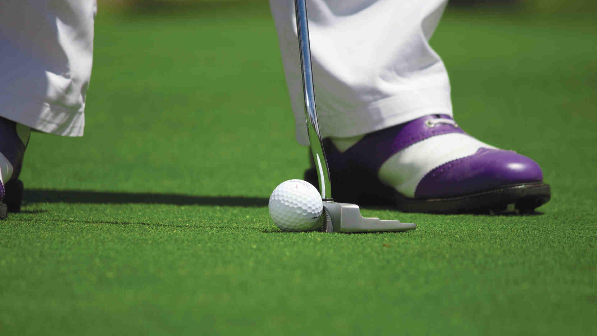 Comment frapper une balle de golf?