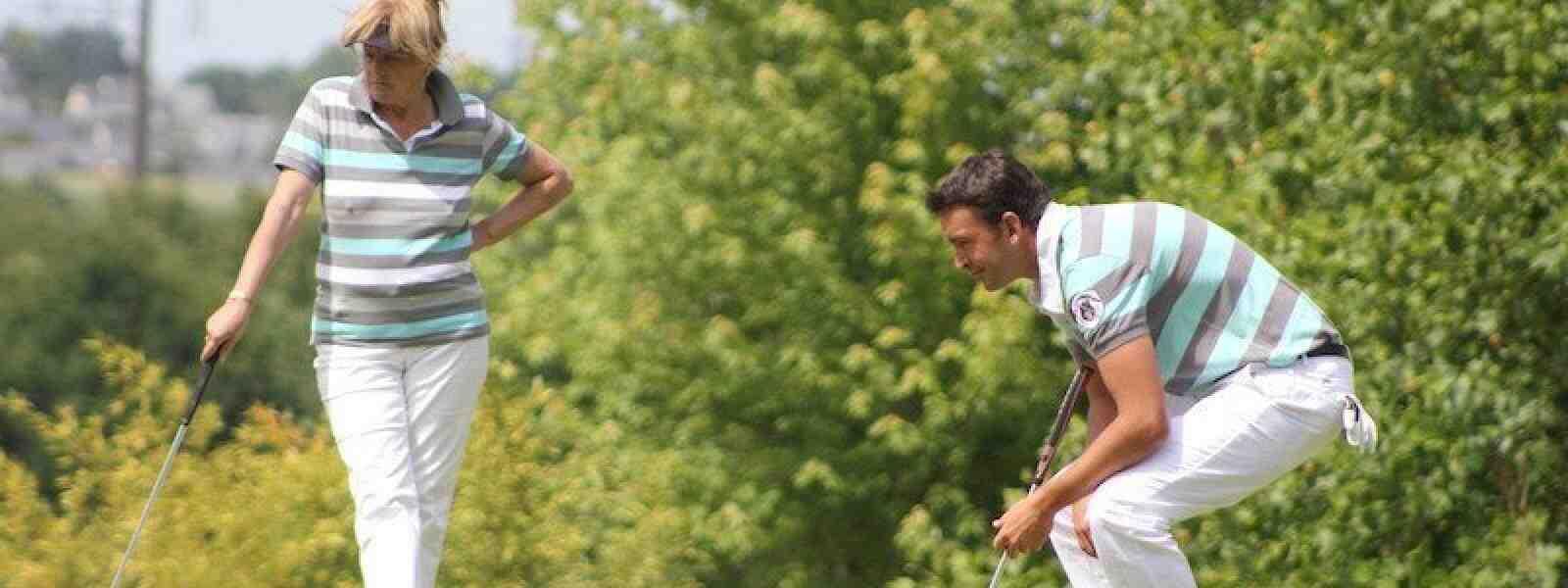 Est-il possible de jouer au golf?