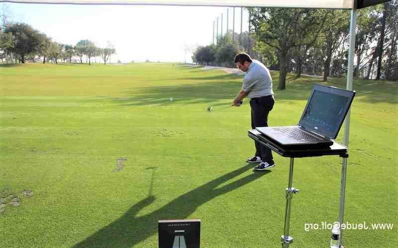 Comment jouer un golf sur bois?